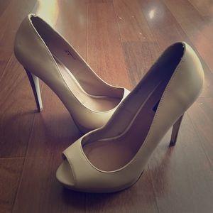 Izabella Rue high heels